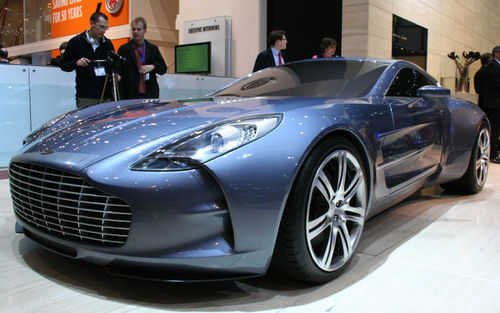 112_0903_02z+aston_martin_one_77+front_three_quarter.jpg