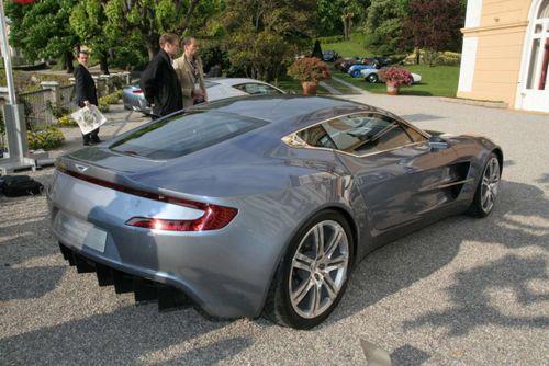Aston-martin-one-77-a-villa-deste_1.jpg