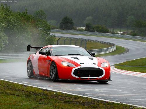 Aston_Martin-V12_Zagato_Racecar_2011_800x600_wallpaper_02