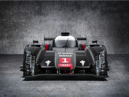 S7-L-Audi-R18-e-tron-2014-entre-en-piste-90972