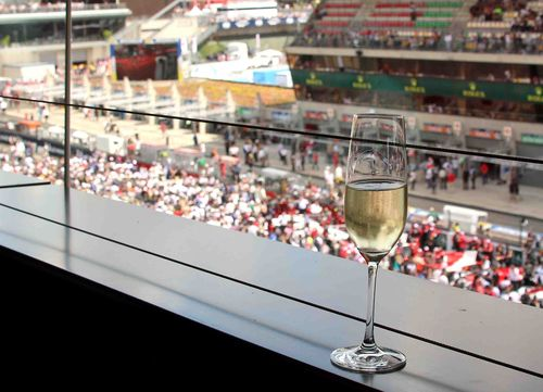 Champagne Racing Lounge 3 - copie