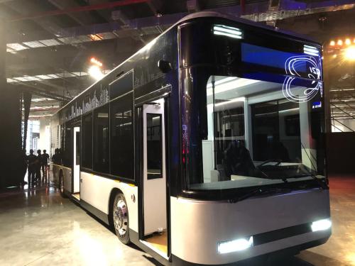 Le-bus-presente-par-Foxconn-1149182
